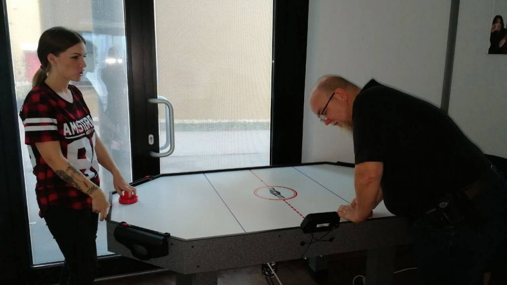Büro Umbau Air-Hockey